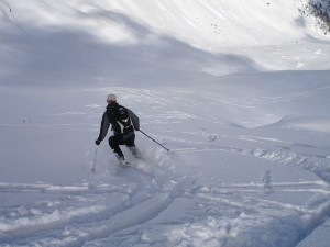 skiing-274393_640