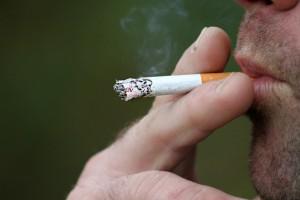 smoking-397599_1920