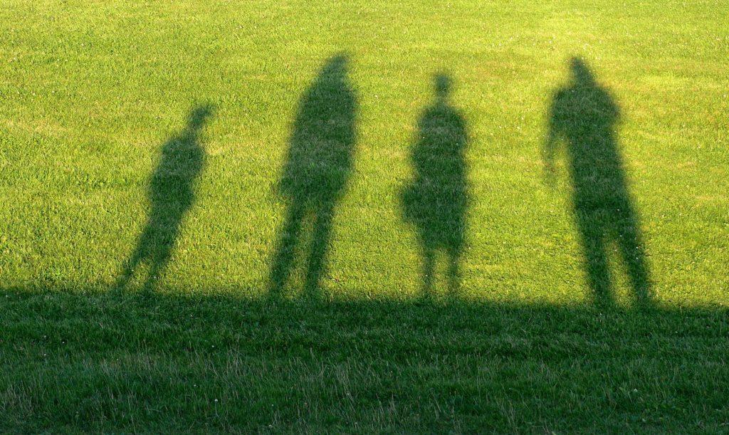 Shadow of family facing opioid crisis