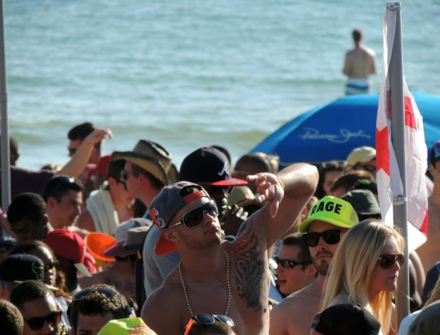 Beach Parties Contribute to Binge Drinking in College Students