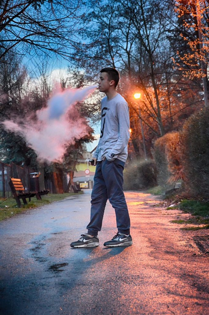 Teen vaping addicted to nicotine in E-cigarettes