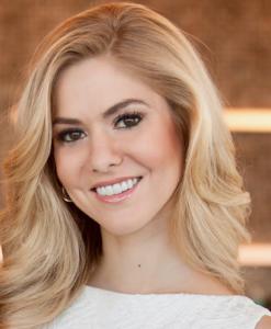 Kirsten Haglund Headshot